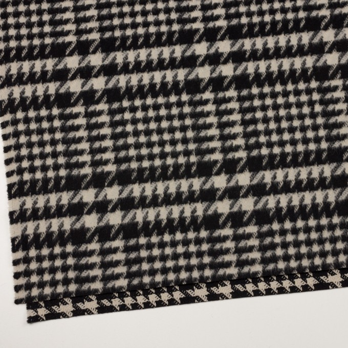 ウール×チェック(グレイッシュベージュ&ブラック)×千鳥格子 イメージ2